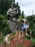 Ken Gibson with statue of Alfred the Great